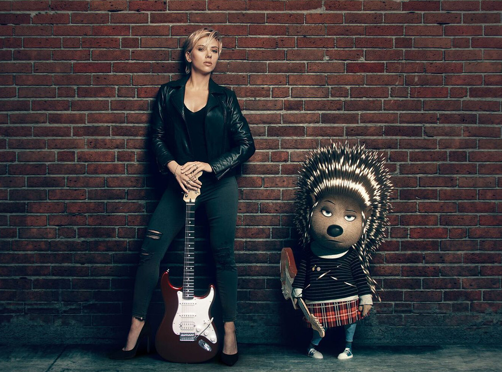 scarlett johansson rocks with her porcupine sing character e news