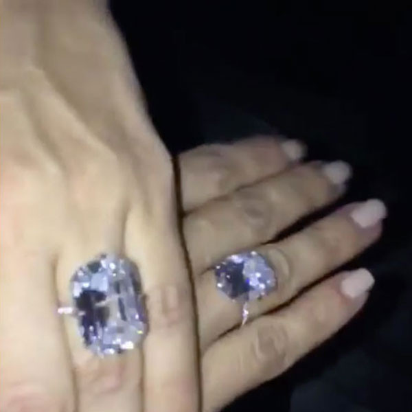 Kim kardashian robbed of 11 million worth of jewelry inside her kim kardashian lorraine schwartz ring junglespirit Images