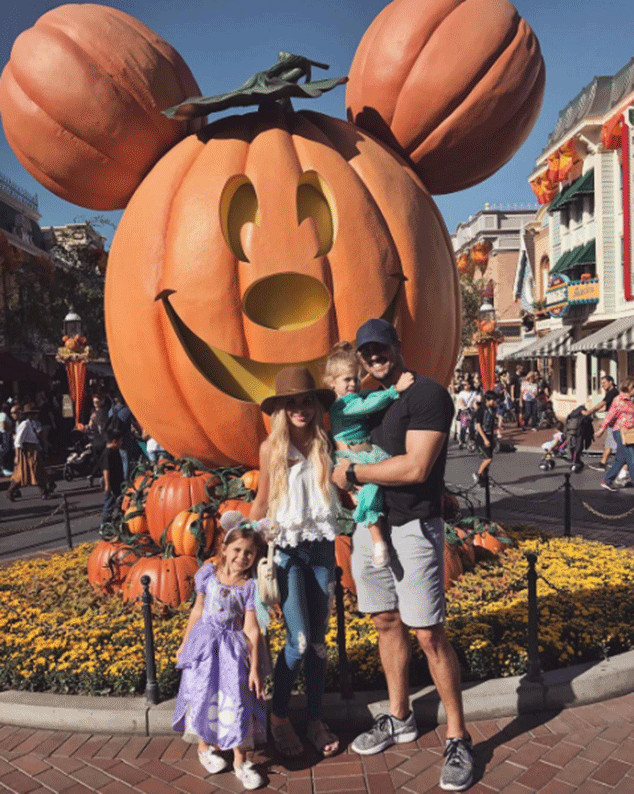 Amanda Stanton, Josh Murray, Celeb Kids Celebrate Halloween 2016