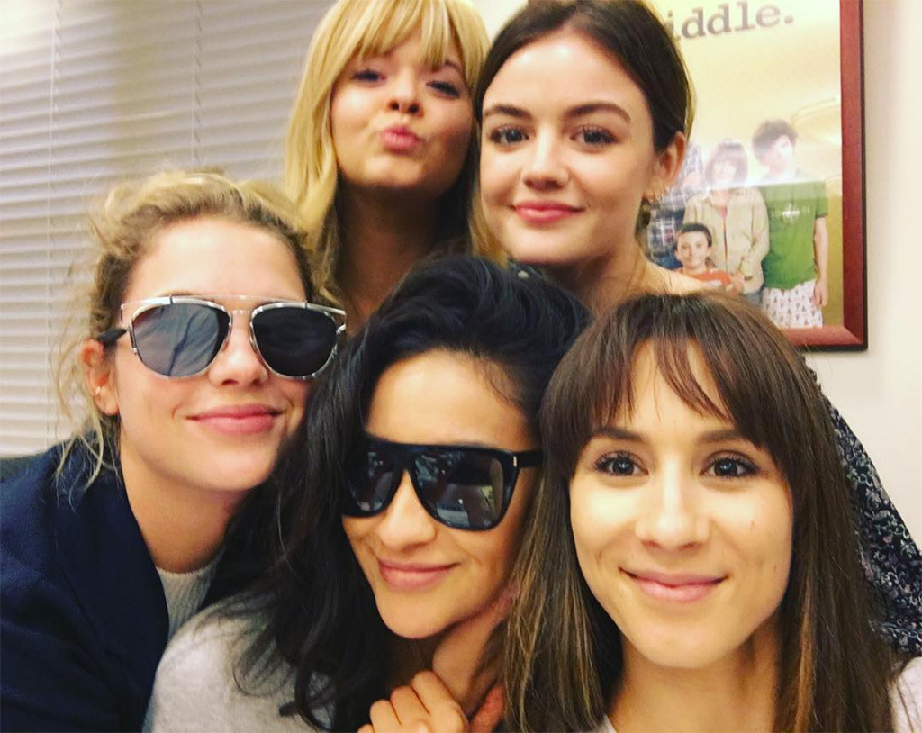 pretty little liars stars wrap filming and say their tearful