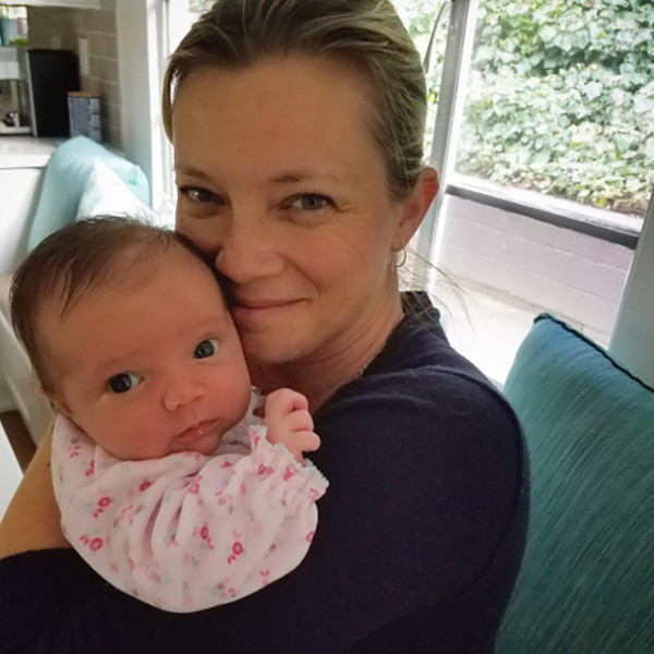 Amy Smart Reveals Daughter Flora Arrived Via Surrogate - E! Online