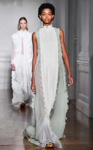 ESC: Paris Haute Couture Spring Summer 2017, Valentino