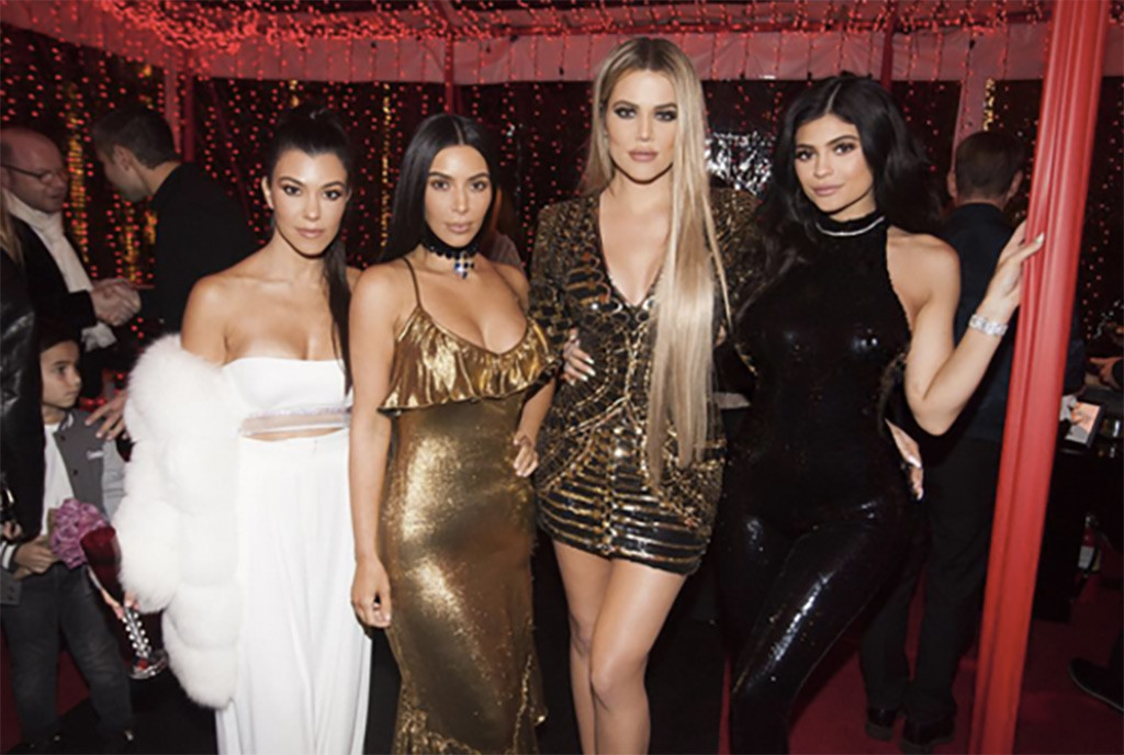 Everything We Know About the 2017 Kardashian Christmas Card on ...