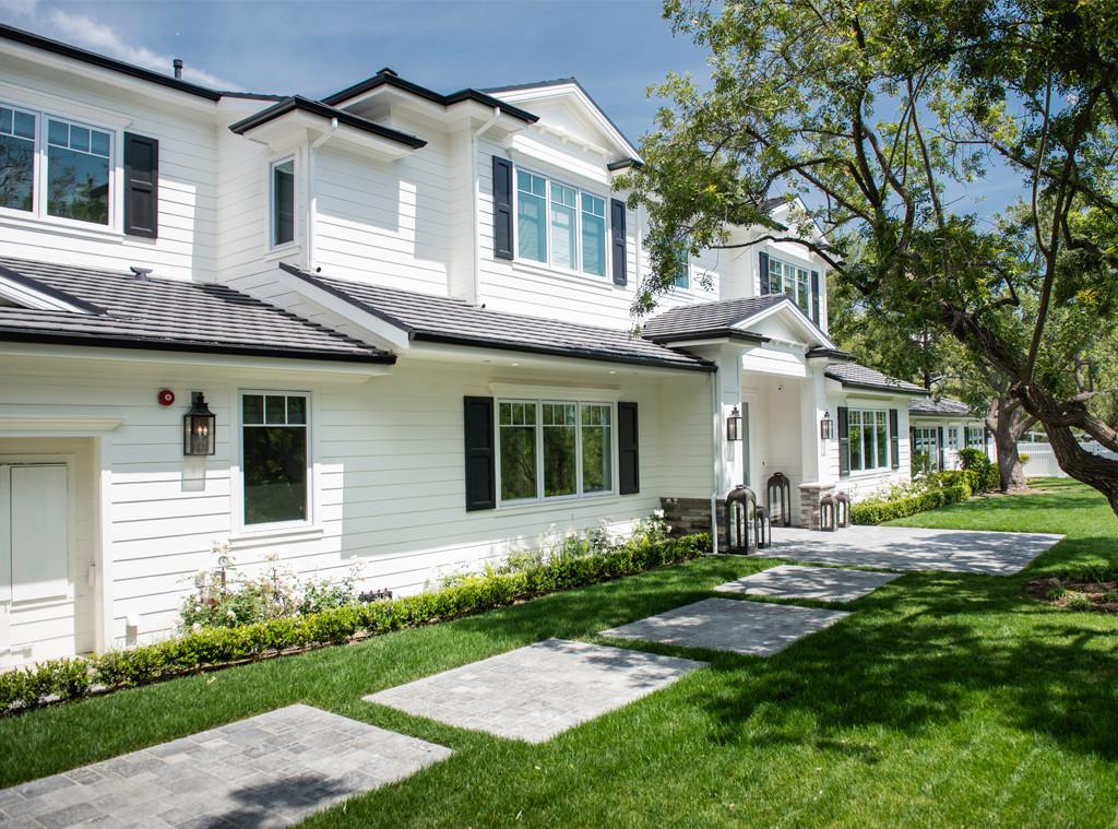 Scott Disick Calabasas, Kardashian Real Estate