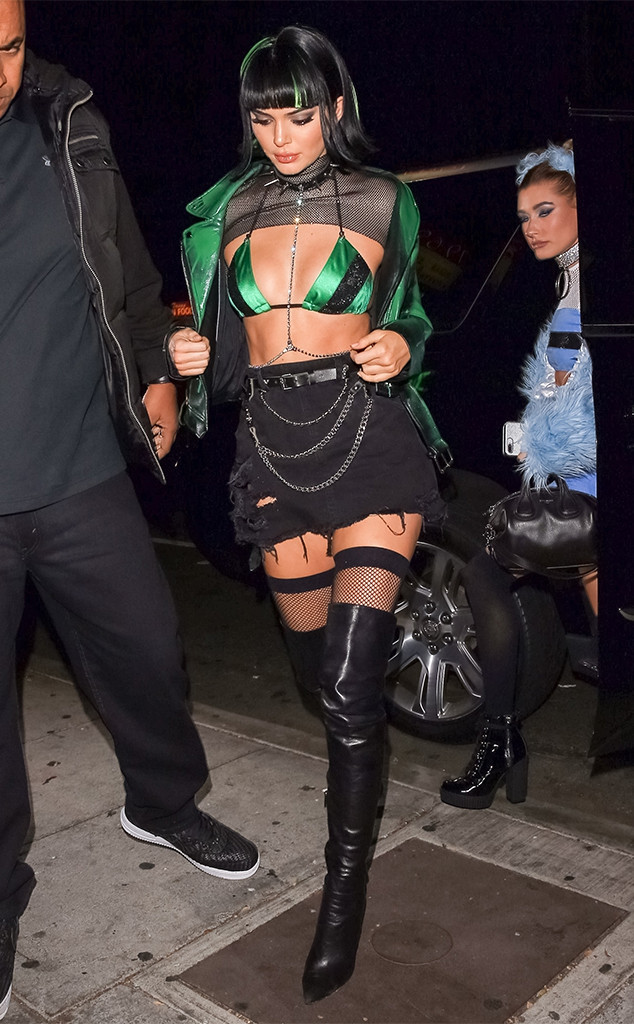 Kendall Jenner Hailey Baldwin And Justine Skye Team Up As The