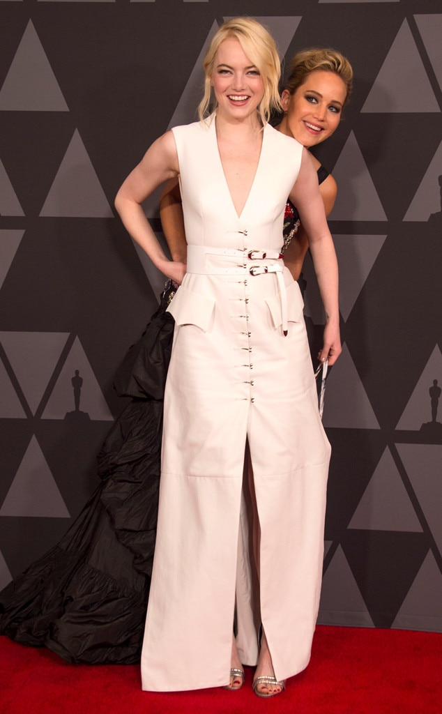 2017 Governors Awards, Emma Stone, Jennifer Lawrence, Photobomb