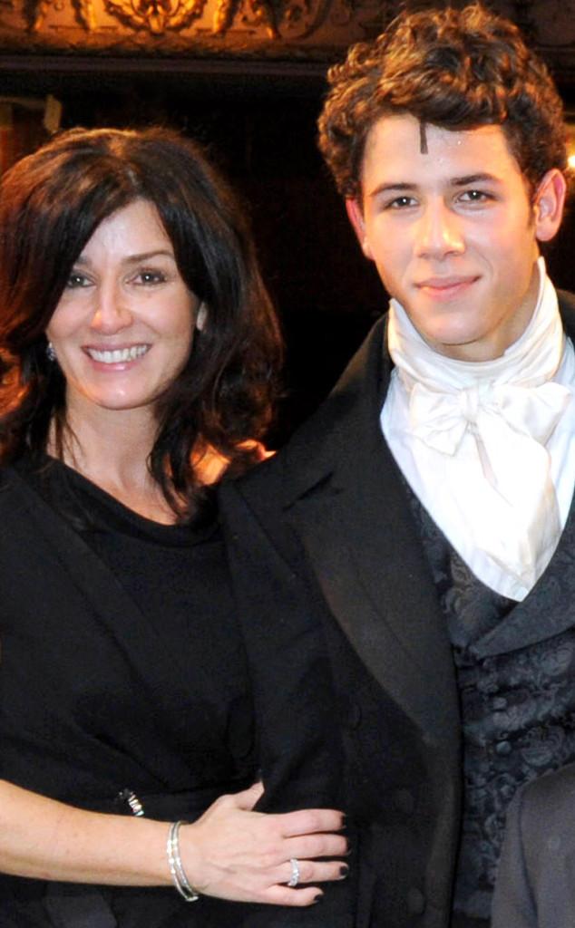 Nick Jonas, Denise Jonas