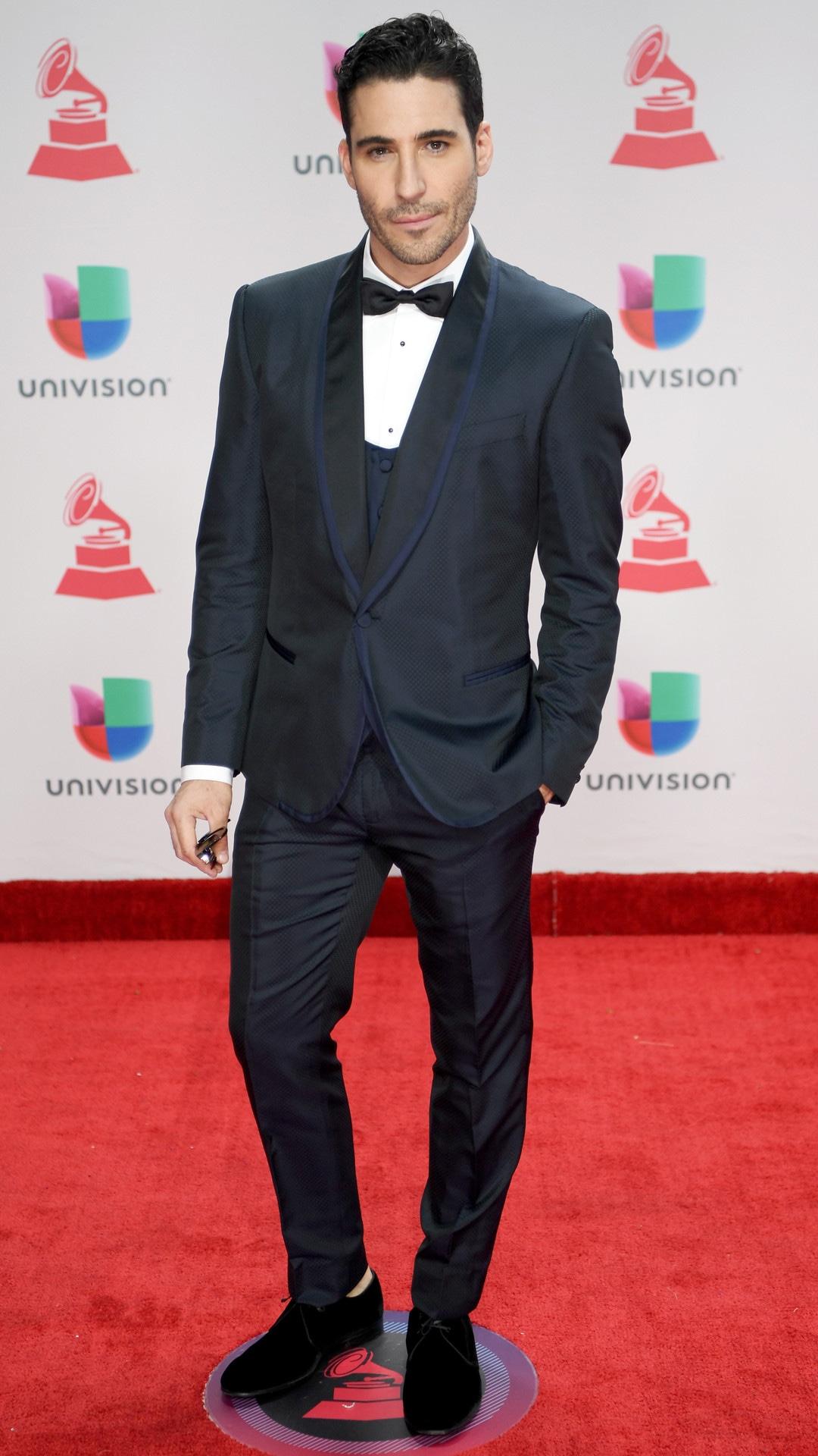 Miguel Angel Silvestre, 2017 Latin Grammy Awards