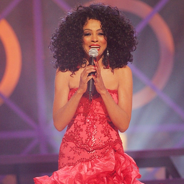 105b3f3aafa Diana Ross  Most Major Fashion Moments Ever