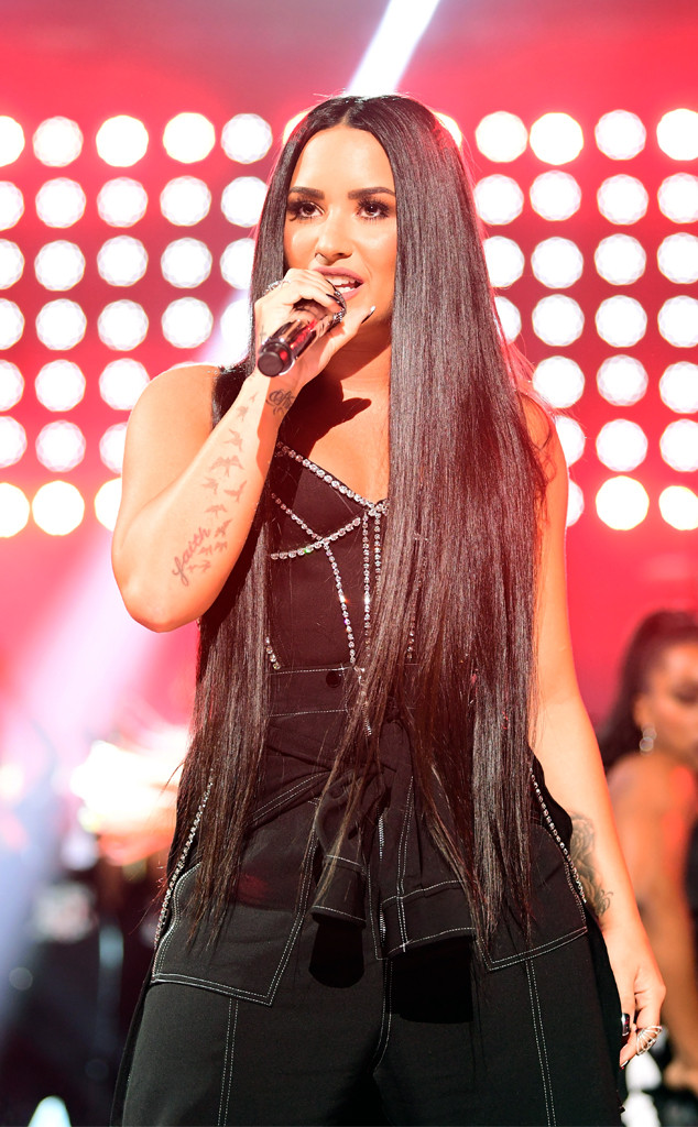 Demi Lovato, American Music Awards 2017, AMAs