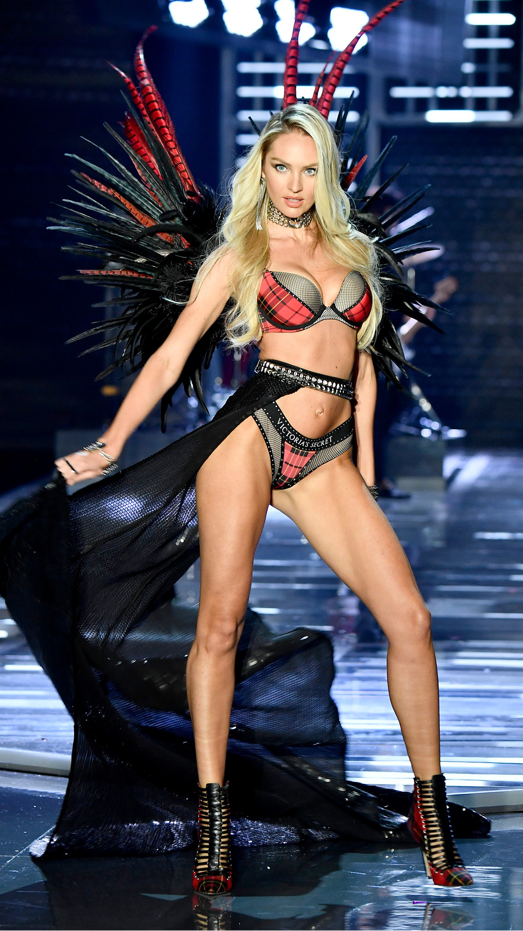 2017 Victoria's Secret Fashion Show, Candice Swanepoel