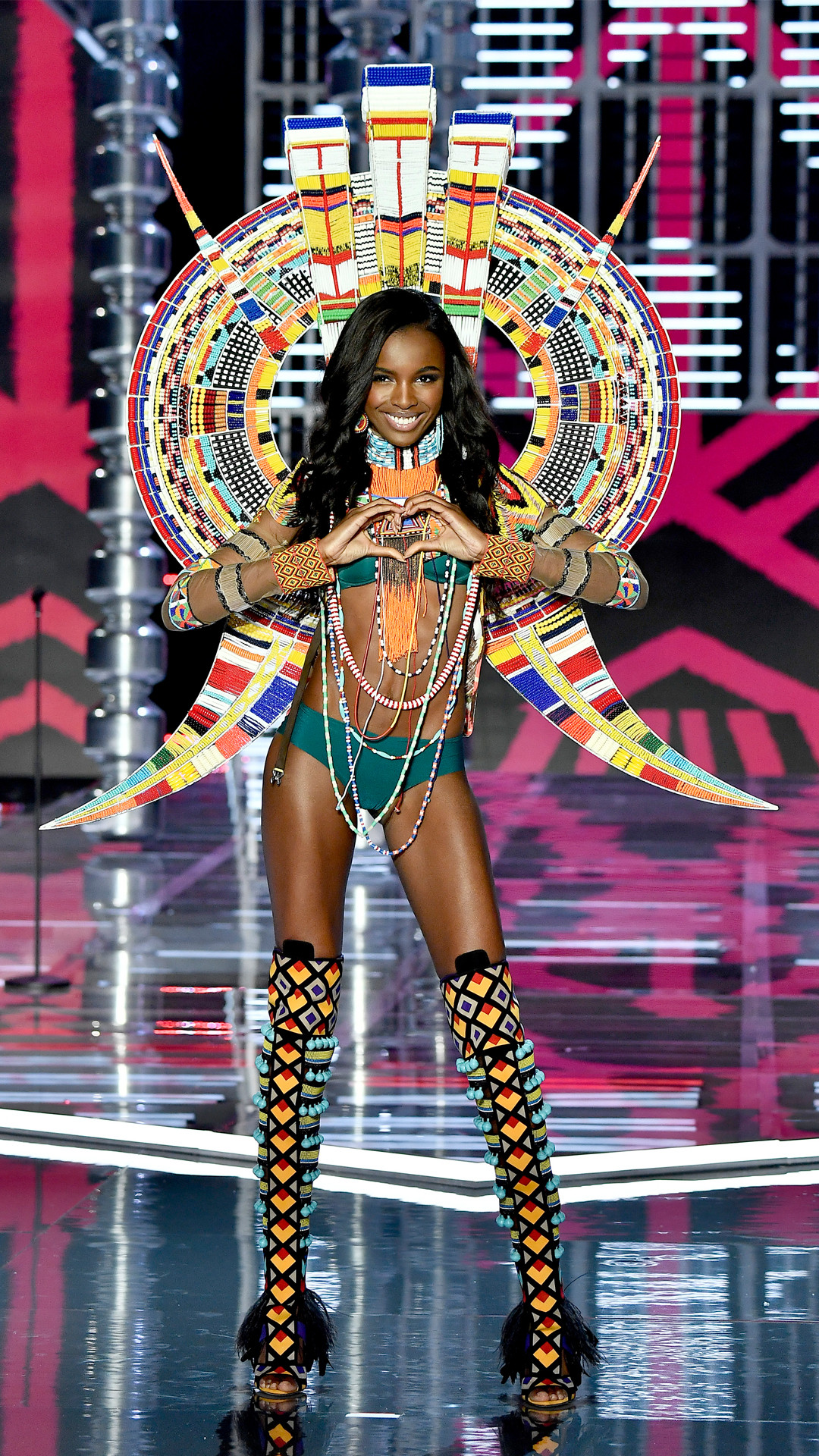 2017 Victoria's Secret Fashion Show, Leomie Anderson