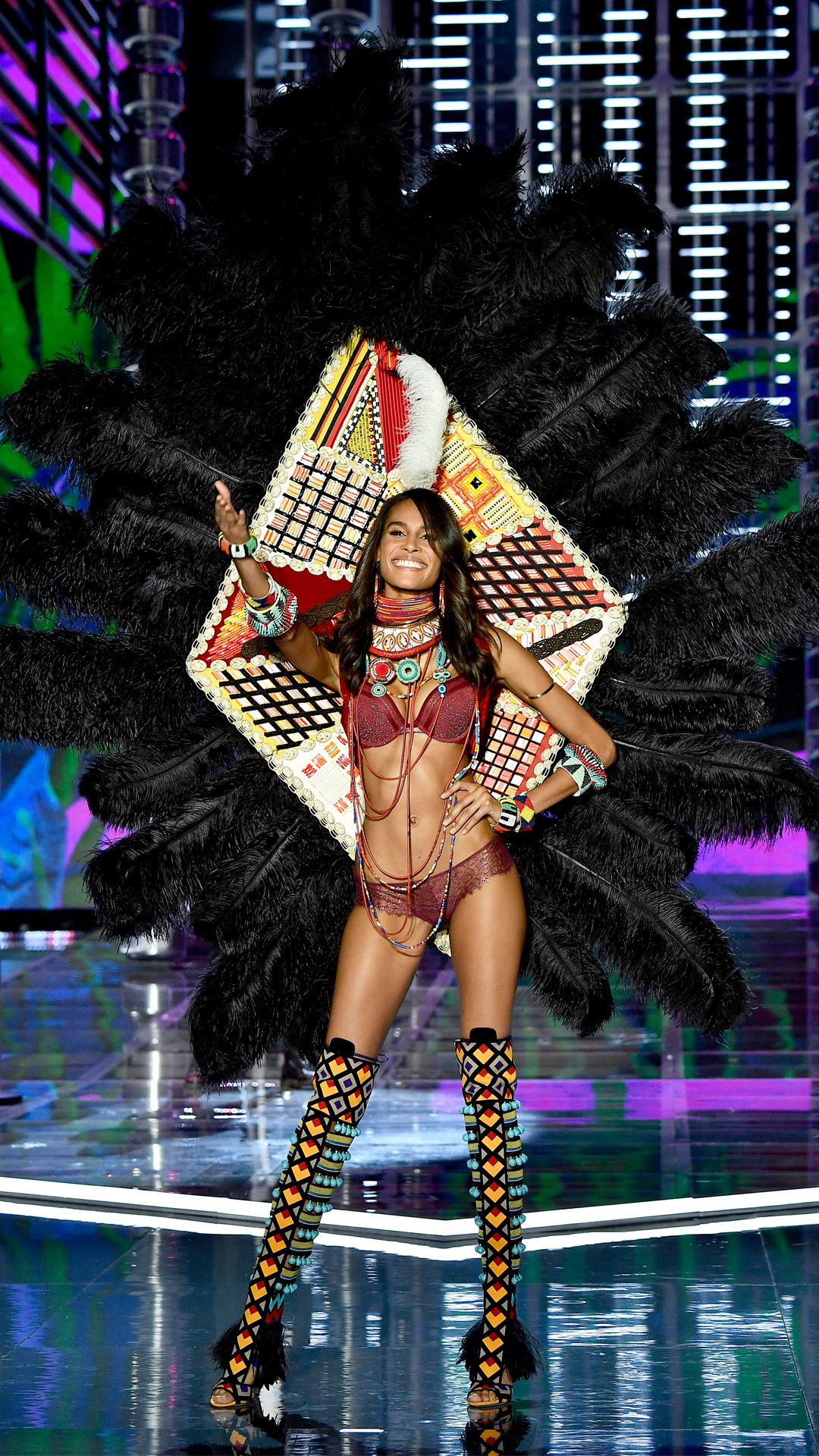 2017 Victoria's Secret Fashion Show, Cindy Bruna
