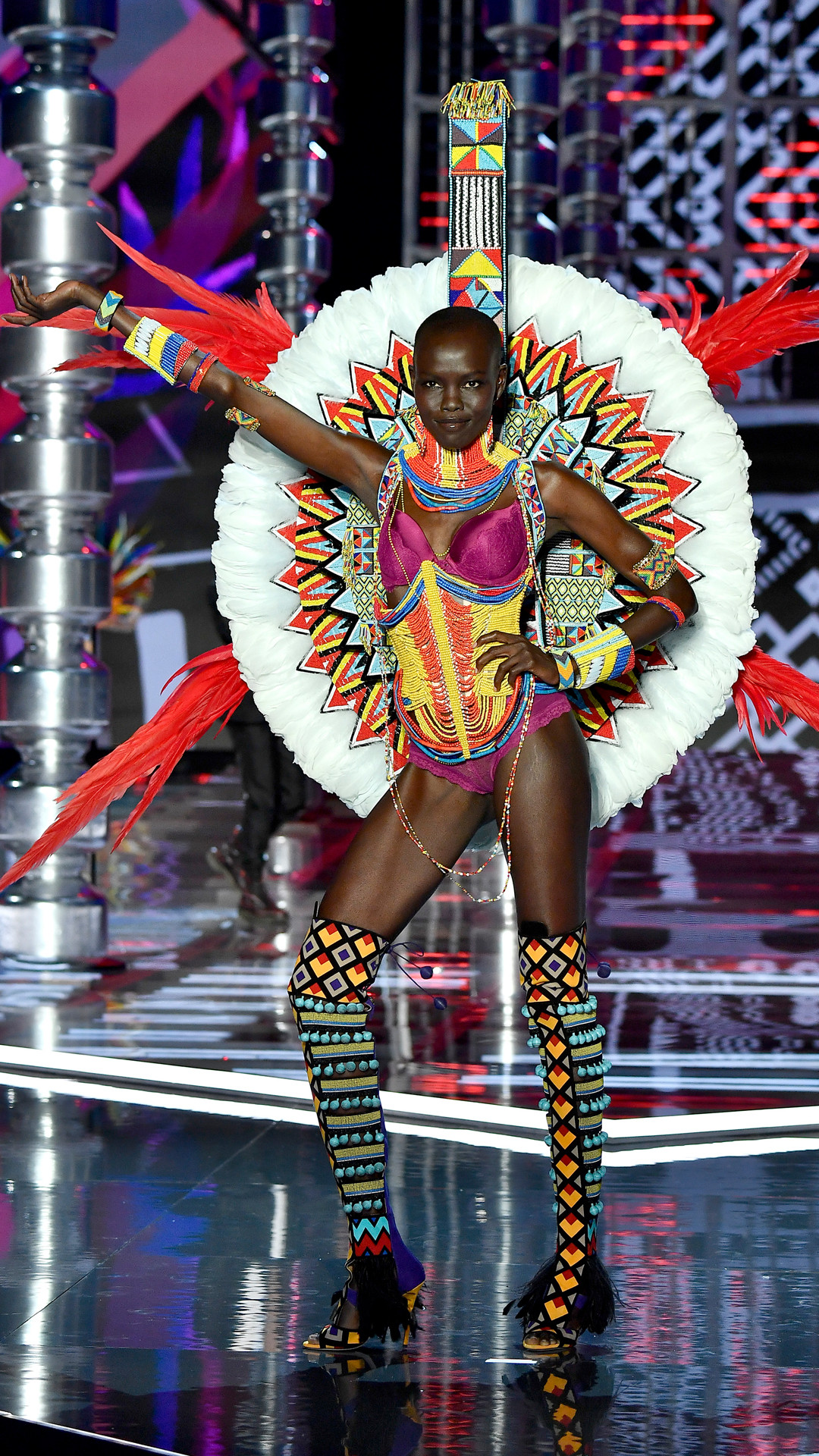 2017 Victoria's Secret Fashion Show, Grace Bol