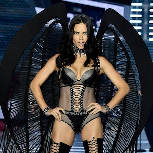 2017 Victoria's Secret Fashion Show, Adriana Lima