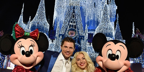 julianne hough and nick lachey bring magic to disneys holiday special e news