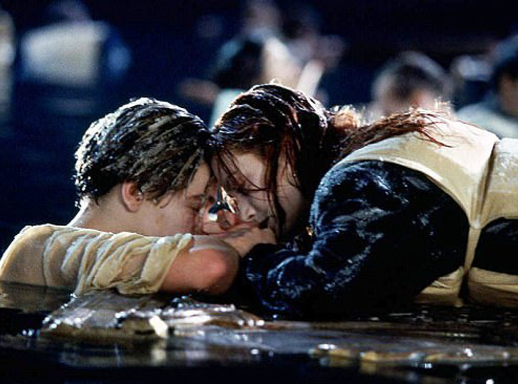 titanic kissing scene