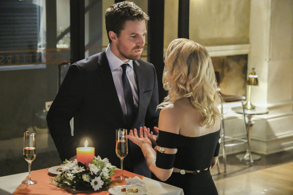 Arrow's Oliver and Felicity Were the Worst Wedding Guests