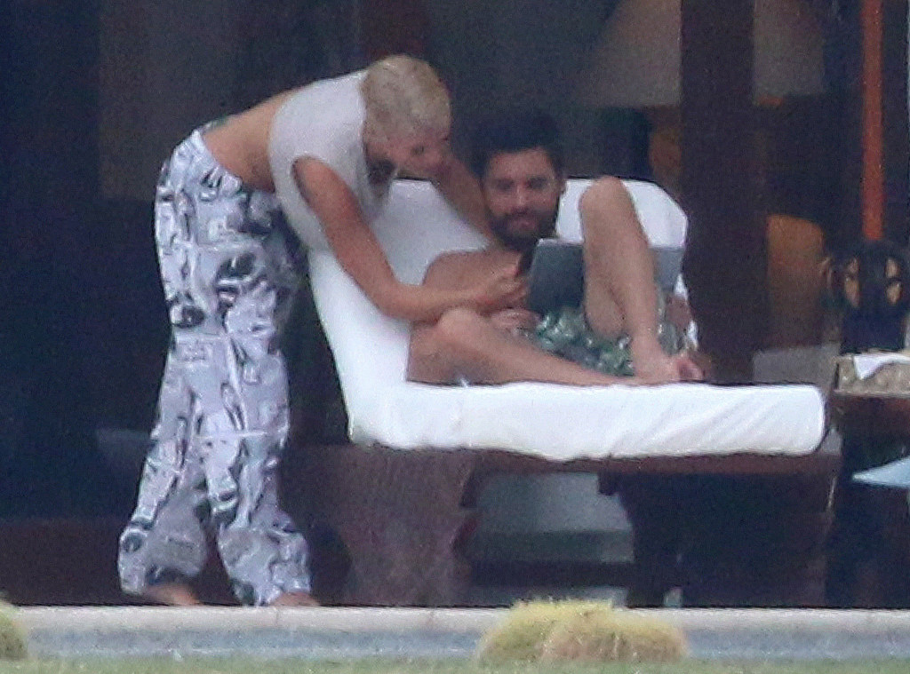 128d8cdc337 Scott Disick and Sofia Richie Vacation in Cabo Together