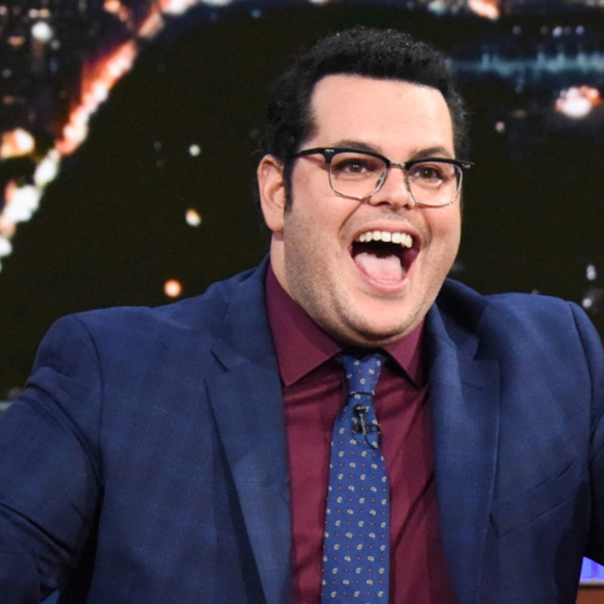 Josh Gad Can T Stop Talking Like Olaf E Online Uk Gadding with ghouls was a book written by gilderoy lockhart, part of his collected works. josh gad can t stop talking like olaf