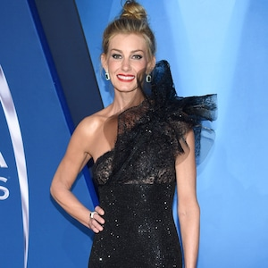 Faith Hill, 2017 CMA Awards