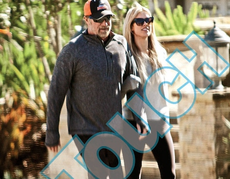 is aaron rodgers dating anyone