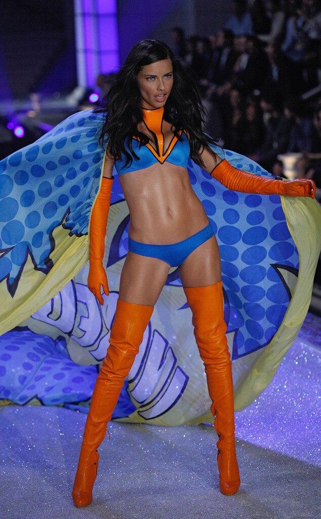 Adriana Lima, Victoria's Secret Fashion Show, 2011