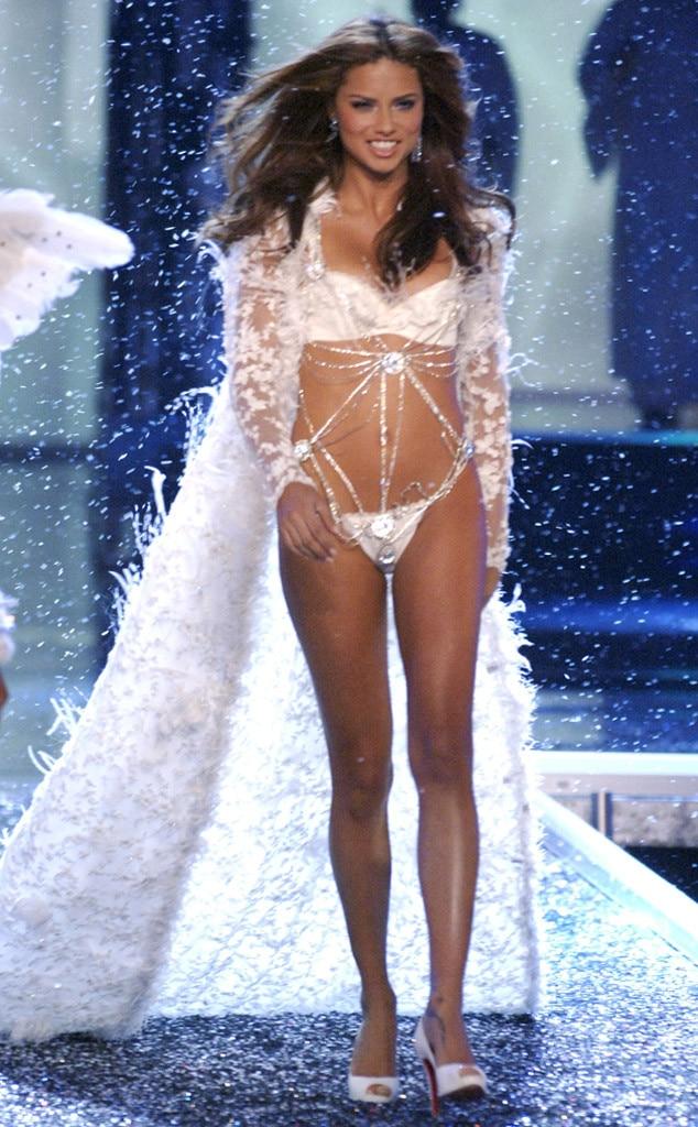 Adriana Lima, Victorias Secret Fashion Show, 2006