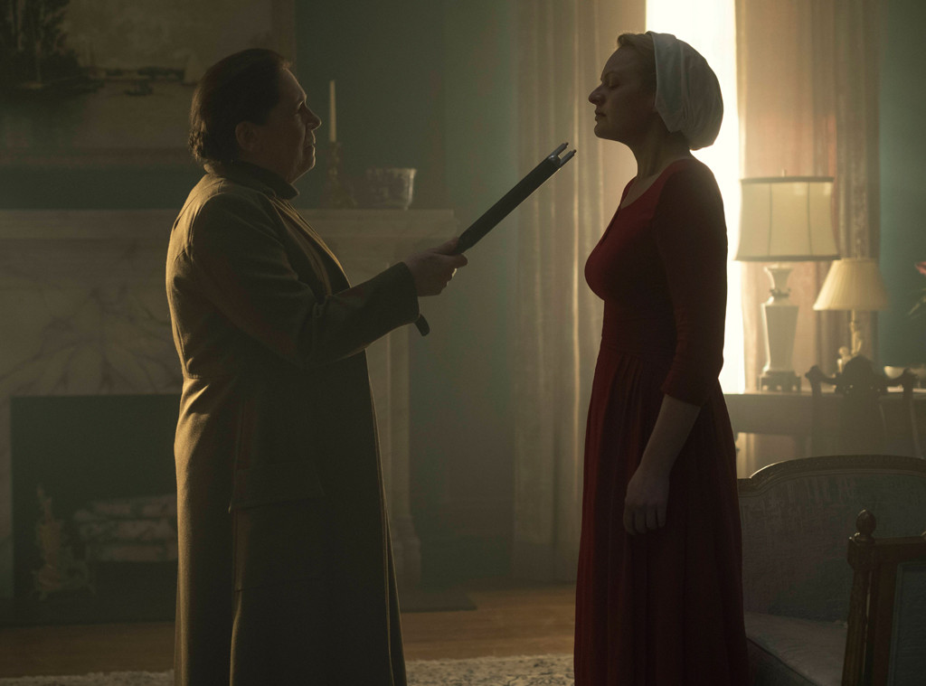 Elisabeth Moss, Ann Dowd, The Handmaids tale