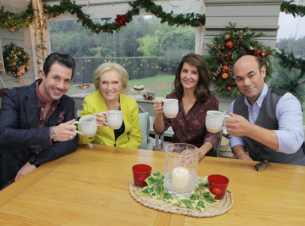 THE GREAT AMERICAN BAKING SHOW, JOHNNY IUZZINI, MARY BERRY, NIA VARDALOS, IAN GOMEZ