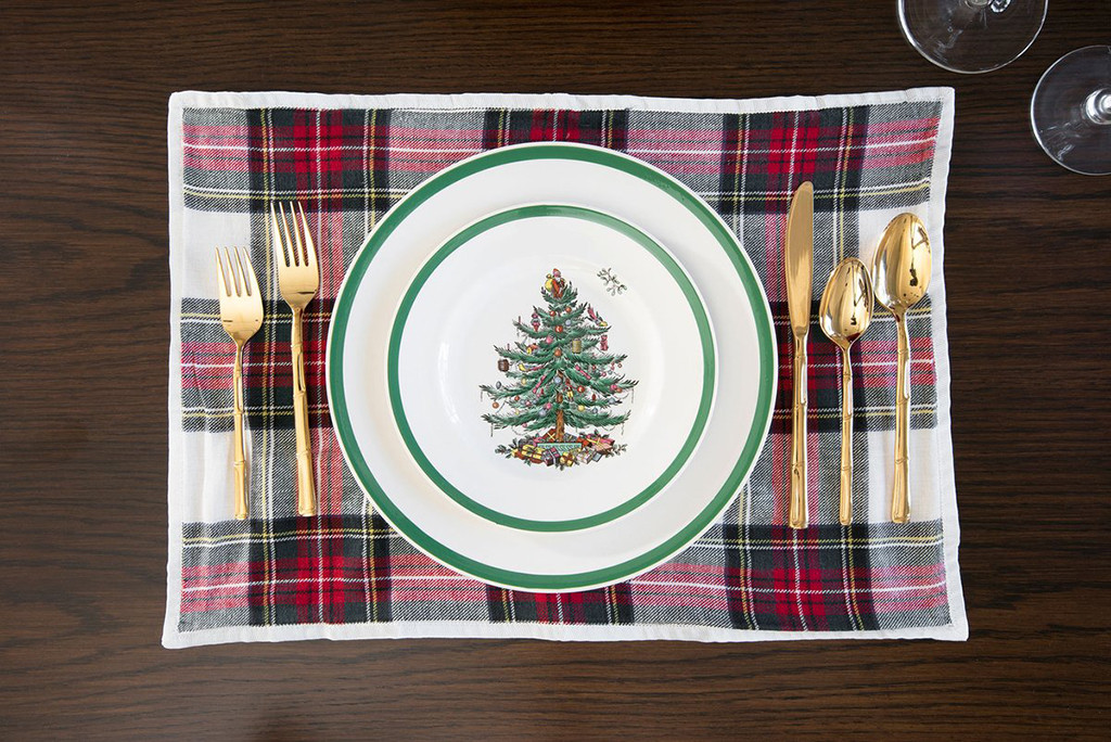 Kourtney Kardashian Christmas Table Setting DO NOT USE