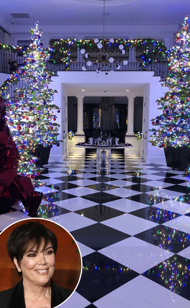 See Kris Jenner S Gorgeous Rainbow Themed 2017 Christmas