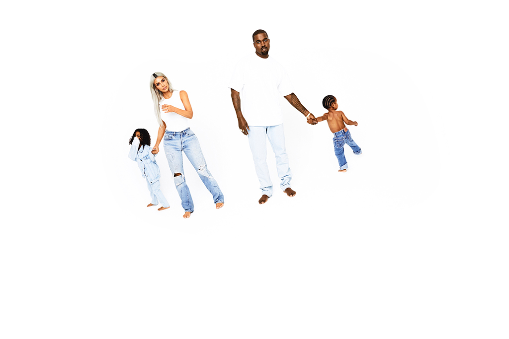 2017 Kardashian Christmas Card, Kim Kardashian, Kanye West, North West, Saint West, Day 16