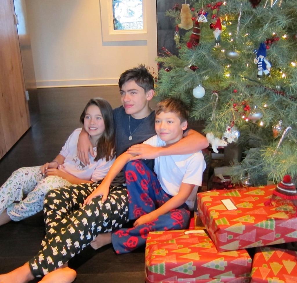 Kelly Ripa, Mark Consuelos, Family Christmas Gallery
