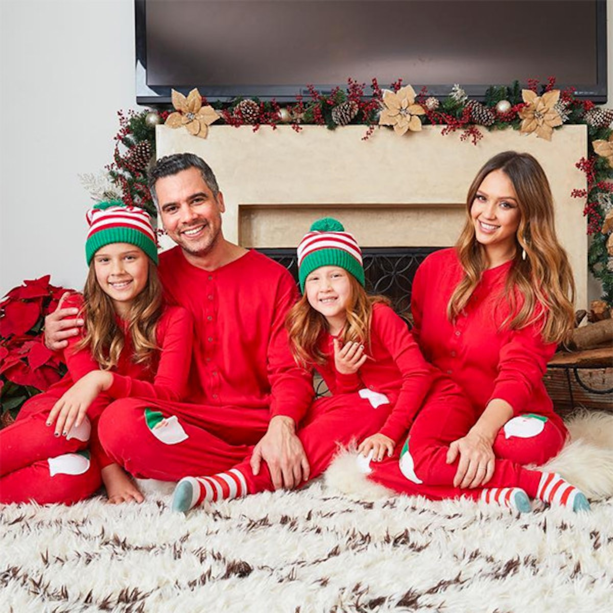 Jessica Alba And Family Appear In Last Christmas Card As A Foursome E Online