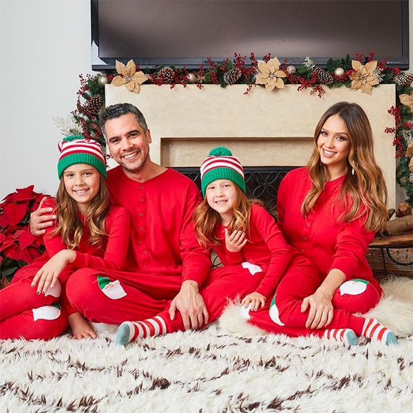 Family Christmas Pictures Part - 21: Jessica Alba And Family Appear In Last Christmas Card As A Foursome | E!  News
