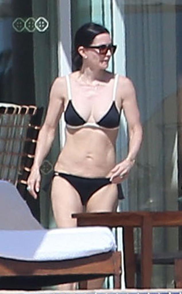 Malibu 2018 >> Jennifer Aniston Strips Down to a Bikini for Her 48th Birthday in Mexico | E! News