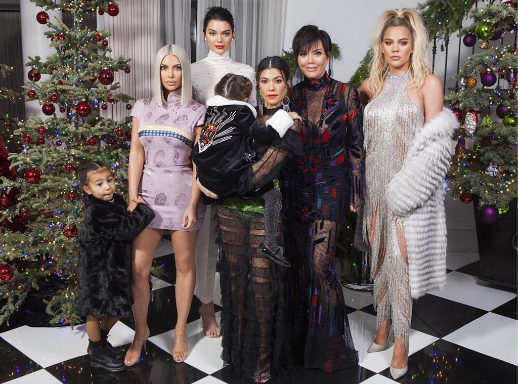 Pregnant Khloe Kardashian Dazzles in New Family Christmas Photo—But ...
