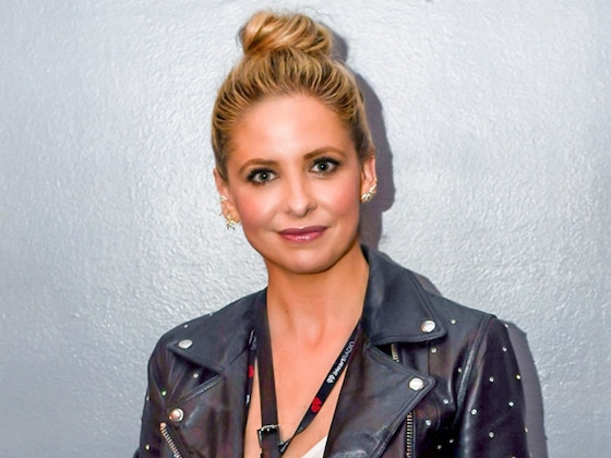 "Sarah Michelle Gellar's Personal ""Reminder Not to Overeat"" on Thanksgiving Sparks Backlash"