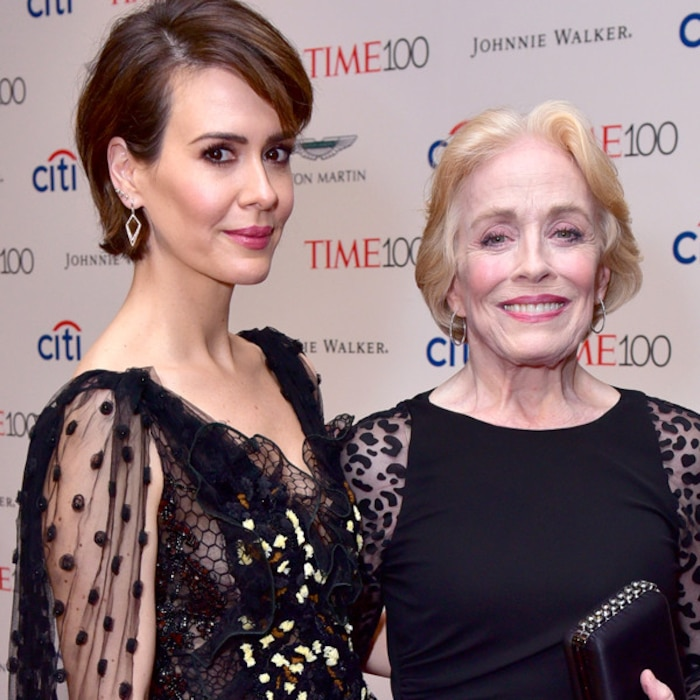 Sarah Paulson Was Told To Keep Her Romance With Holland Taylor A Secret E News