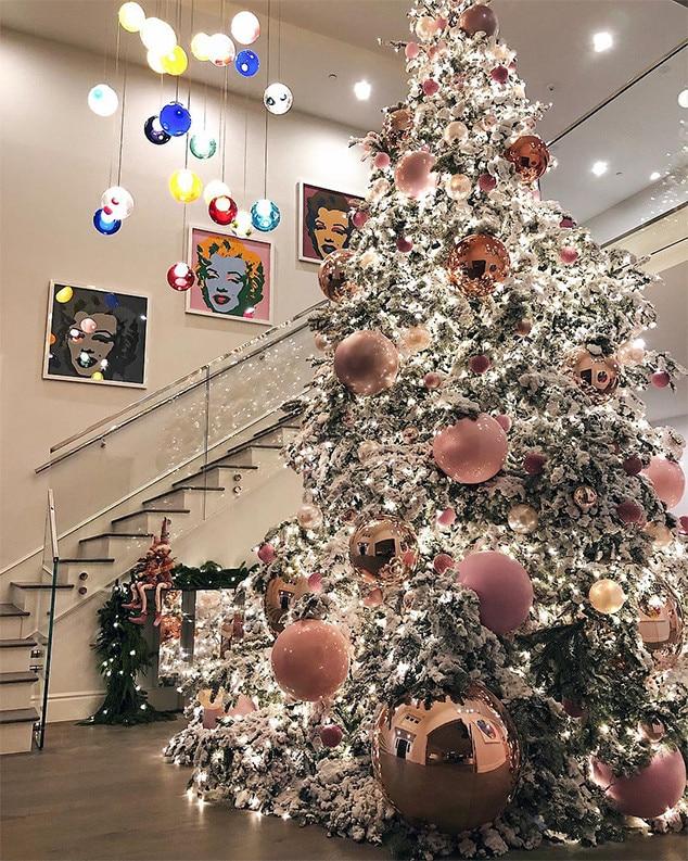 Kylie Jenner, Christmas Tree, 2017