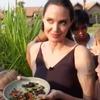 Angelina Jolie, Kids, Eating Bugs,