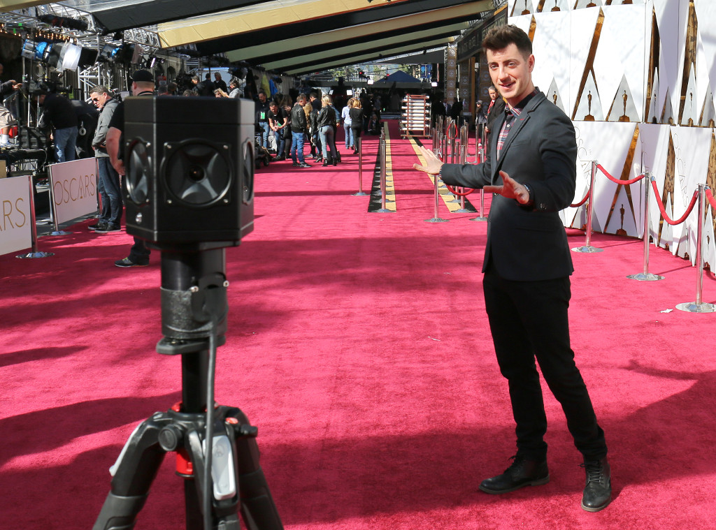 E live 360 at oscars 2017 be there on tonight 39 s red carpet e news - Oscars red carpet online ...