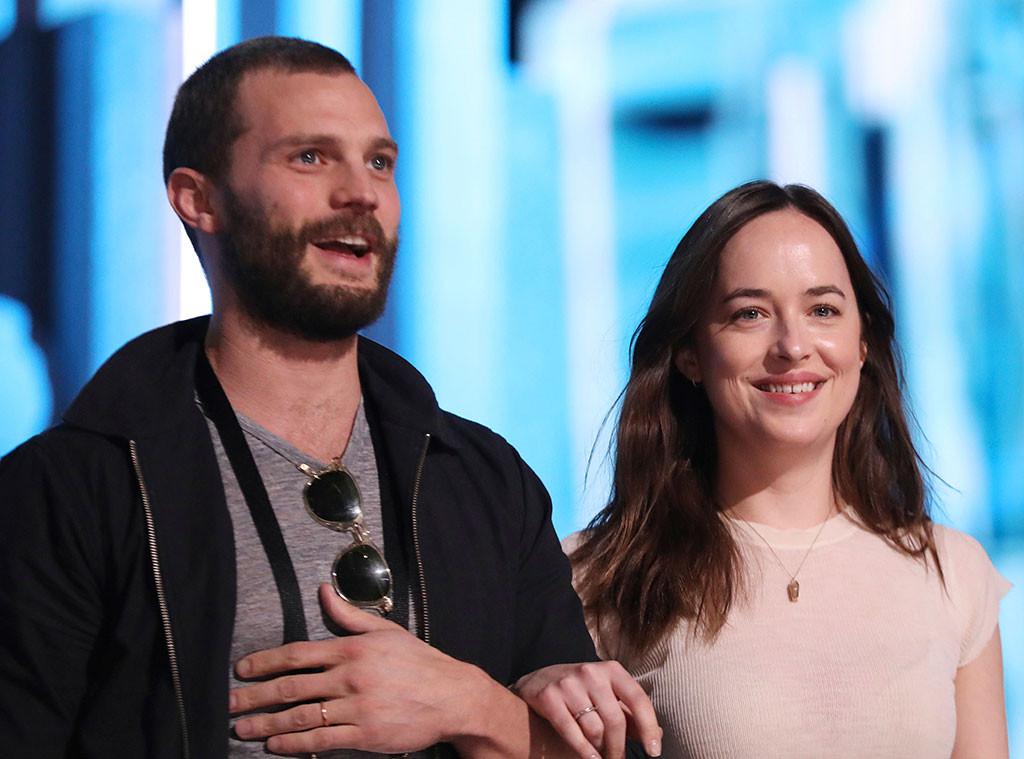 Jamie Dornan Has One Request For Fifty Shades Co Star Dakota Johnson At Oscars 2017 E News
