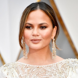 ESC: Glossier Beauty, Chrissy Teigen