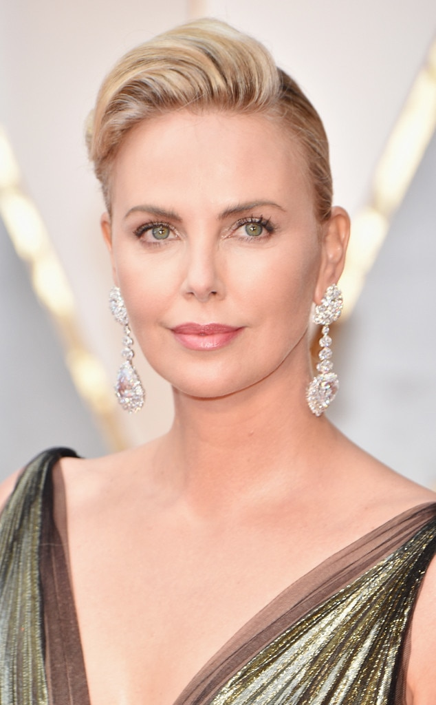 ESC: 2017 Oscars, Beauty, Charlize Theron