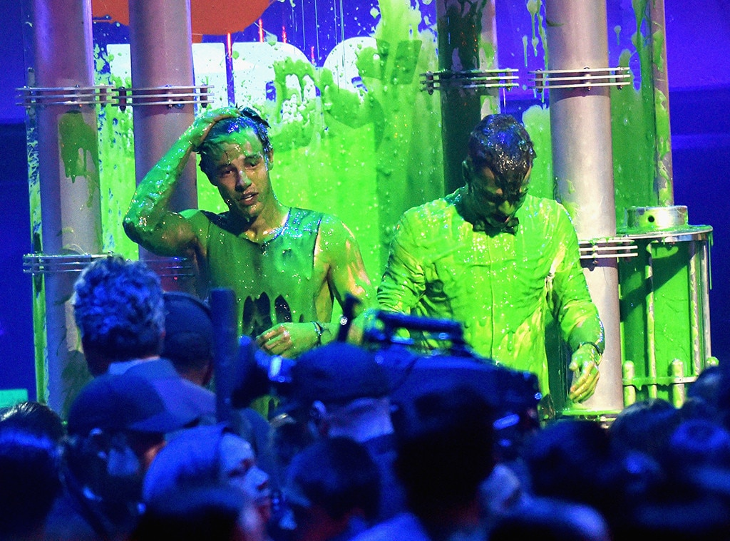 Cameron Dallas, Taylor Caniff, 2016 Kids Choice Awards, Slime