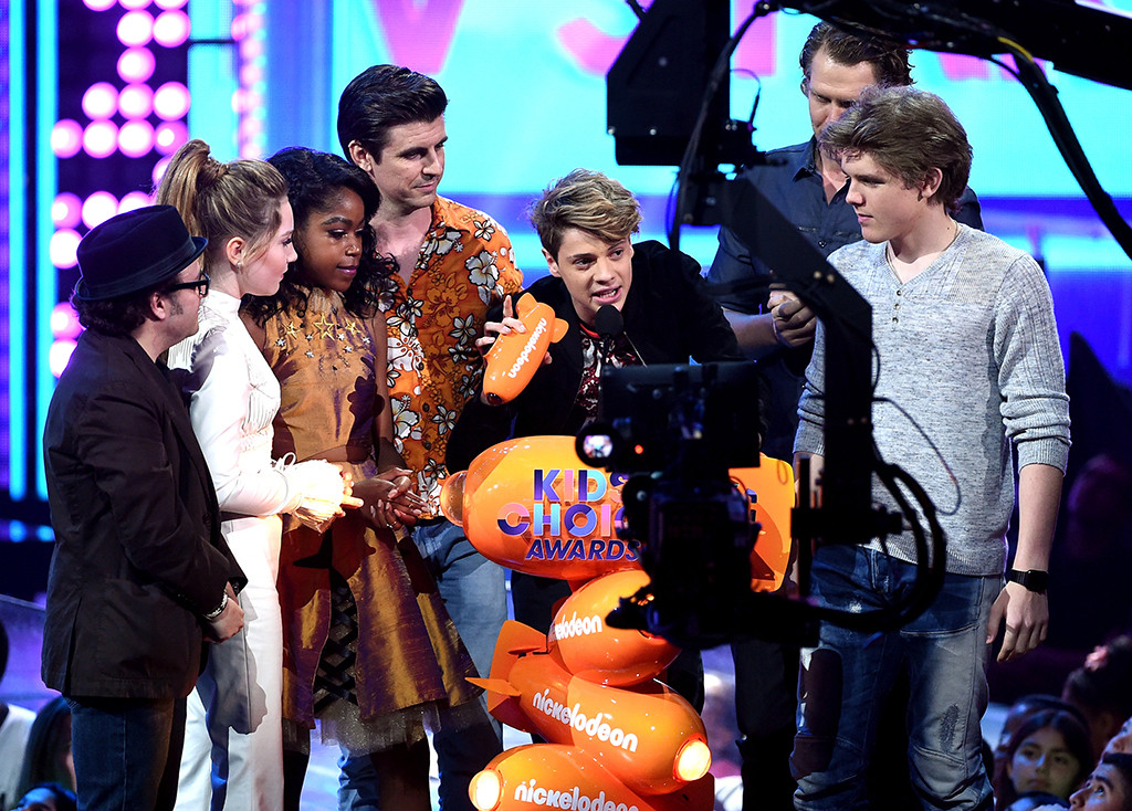 Henry Danger Cast, 2017 Kids Choice Awards, Winners
