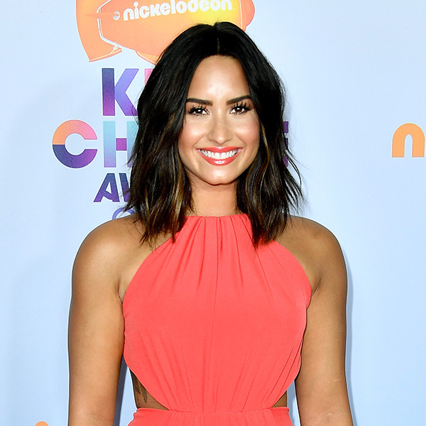 Demi Lovato, 2017 Kids Choice Awards, Arrivals