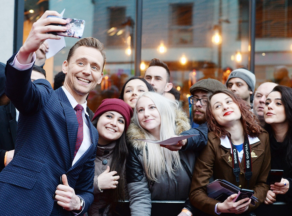 Tom Hiddleston, Celebs taking Selfies